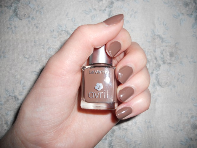 Vernis chocolat chaud Avril
