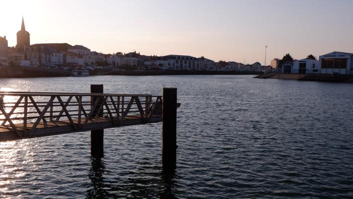 Pont port
